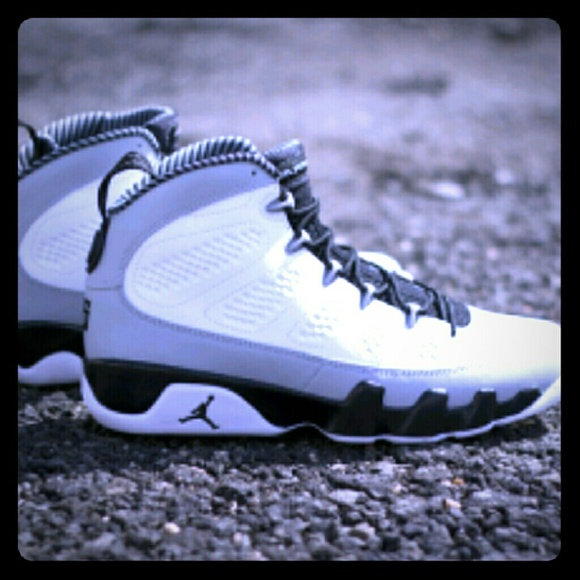 889e968e737 Jordan Shoes   Retro 9 Baron Imperial   Poshmark